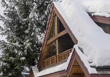 LUXURY ACCOMMODATIONS TOWNHOMES & CABINS